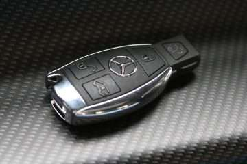 The cheapest way to replace a Mercedes key
